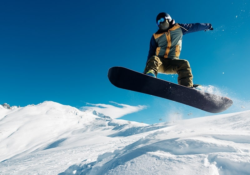 snowboarding from snowhill