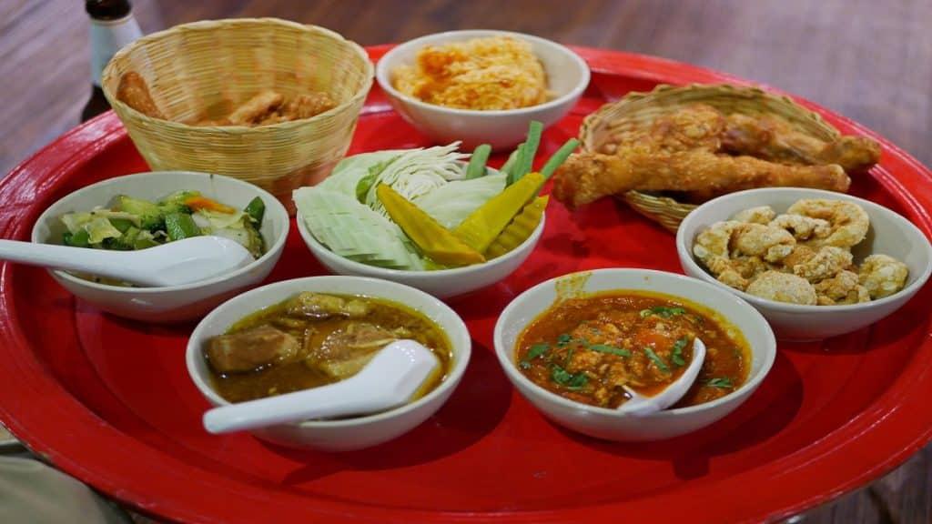 Northern Thai customary style dinner (khantoke)
